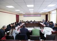 雅安市人大常委会就宝兴法院立案登记制改革工作开展调研并座谈